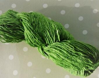 Handspun yarn 80/20 Organic Merino wool & Silk - 98 grams - fresh grass green and white