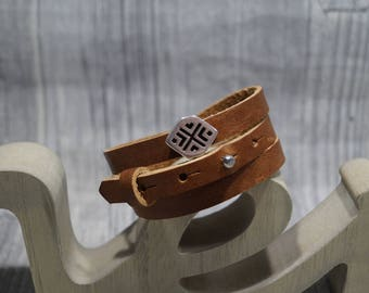 Wrap leather strap with Schiebeperle