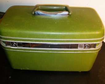 Vintage Green Samsonite Silhouette Train Case/ 1970's Hard Shell Makeup/Train Case
