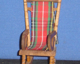 "Reevesline Doll House: Wooden Rocking Chair (4""x2""x2 3/4"") - pre-owned"