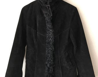 Stunning Short Black Suede Sheepskin Coat Fur Collar And Accented Edges Woman Size Small .