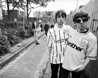 Oasis - Noel/Liam BW Poster - Choose Your Size - Includes a Free Surprise A3 Poster (1)