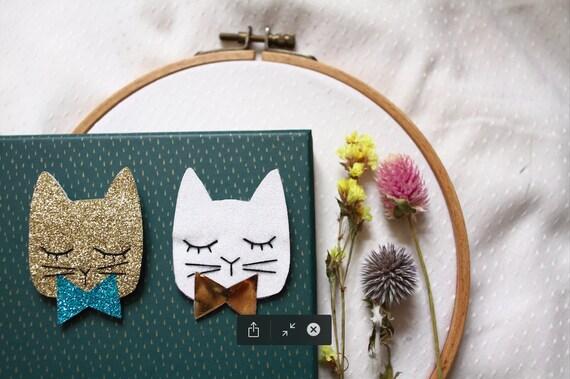 Night cat brooch