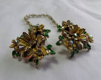 Vintage Sweater Chain - Clip - Flowers- 1950's