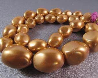 Gold Shell Pearl Graduated Beads 30pcs