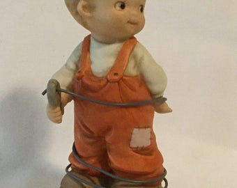 """1994 Enesco Memories Of Yesterday """"Making The Right Connection"""" Figurine"""