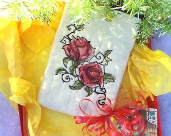 Sale 11.00 (orig. 21.00)Roses Pouch, E-reader pouch, Kindle pouch, Makeup pouch, Gadget pouch, Nook pouch, Coin pouch, Travel pouch,