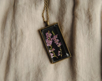 Rectangular pendant with heather