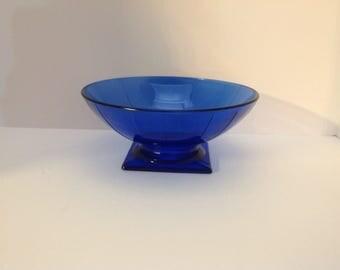 Blue bowl on Pedestal