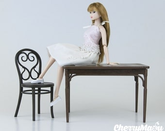 Table style Thonet 1:6 for doll scale miniature dollhouse diorama 3D printing