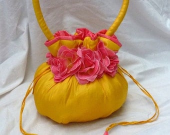 Silk bag yellow with roses