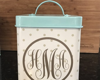 Monogramed decor - Spring colors