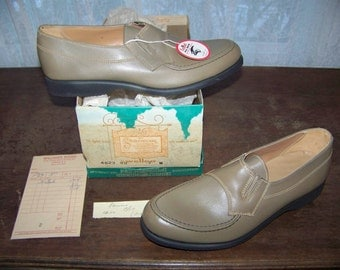 Vntg 1967 Men's Loafers Casual Dress Shoes 7 M By Roblee NIB Deadstock Leather MINT