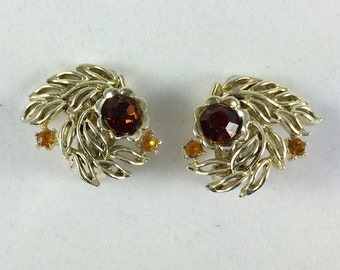 Vintage Leaf Clip On Earrings - Gold Tone with Brown Rhinestones - Autumn Leaves - Nature Earrings - Estate Jewelry