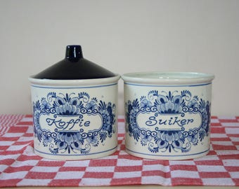 Delft blue coffee and sugar