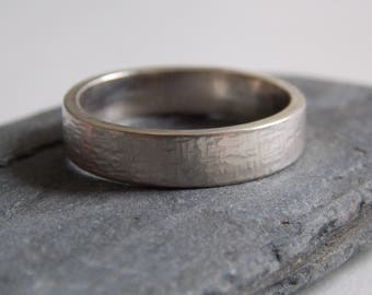 Silver ring for men can be customizable.
