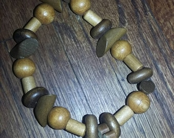 Wooden stretchy bracelet