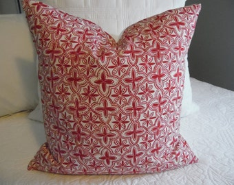 Quarterfoil Red.White.Slub.Linen Look. Holiday.Pillow Covers.Farmhouse.Country.Slip Covers. HOME DECOR.Pillow Cover