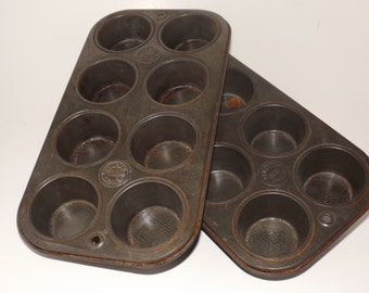 Ekco set of small muffin tins,080 Chicago,8 cup muffin tin,vintage muffin tin,rustic bakeware,farmhouse bakeware,cupcake tins,bakers gift