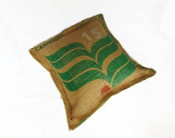 Jute cushion cover in recycled industrial style, industrial decoration in jute fabric by Pleasant Home