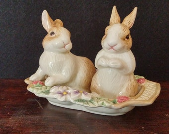 Fitz and Floyd 'Botanical Bunnies' Salt and Pepper Shakers