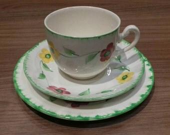 Vintage trio floral tea cup set