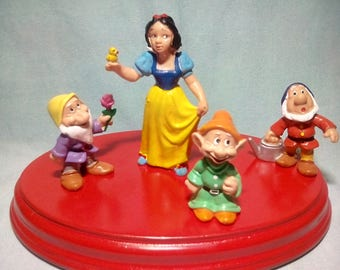 4. ancient figures of snow white and dwarfs mark Bully 1982-1986, Disney