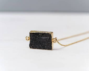 Raw Black Tourmaline Necklace Agate Necklace Gold Raw Stone Necklace Raw Arrow Pendant Layered Necklace Boho Style