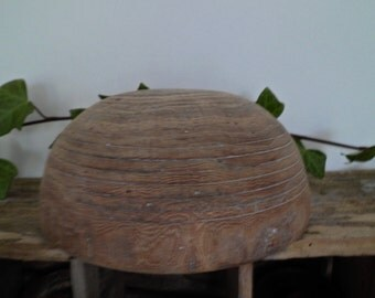 Shape hat, marotte Hatter or Milliner, wearing hats in wood