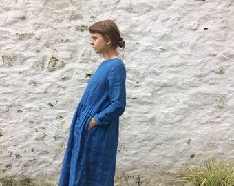 The PERSEPHONE dress :  indigo dyed simple linen dress