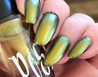 "Unique ""Lithium"" Chameleon Color Shifting Blue - Yellow Nail Polish Full Size 15ml Bottle"