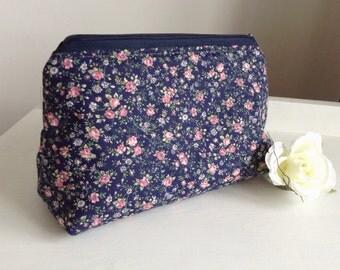 Makeup Bag, Cosmetics Bag, Cosmetic Bag, Make Up Bag, Toiletry Bag, Flowers Fabric, Floral Gift, Gift For Mum, Gift for Woman