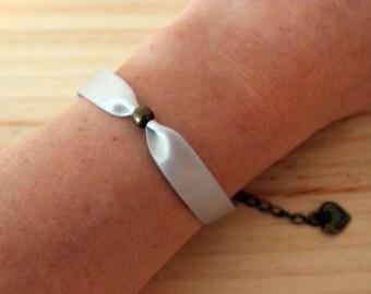 Powder gray bracelet