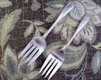 Vintage Silver Plate Meat / Serving Forks Wm ROGERS MFG CO flatware matching pair