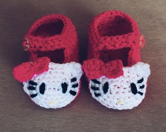 Crochet Hello Kitty baby booties