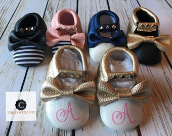 Baby Moccasins, Crib Shoes, metallic baby moccasins, Monogram available