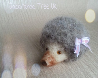 Needle felted hedgehog, woodland animal, Valentine's Day gift, Mother's day gift, needle felted sculpture