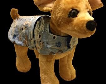 Doggie Raincoat, Raincoat for X small dog. Fleece lined dog raincoat