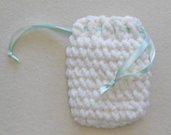 ivory crochet bag, for tarot deck or small device, with mint green ribbon