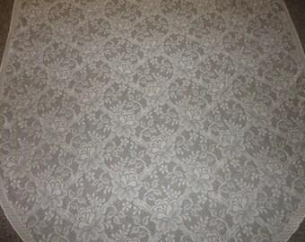 UNUSED Cream Lace Vintage Oval Tablecloth 84X64