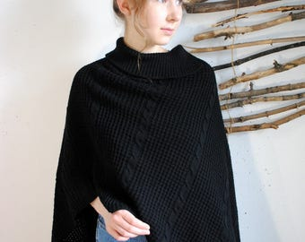 Knitted poncho 1990s 1980s vintage black shirt