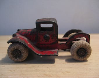 A ugly original TOOTSIE TOY...metal ... Years '30