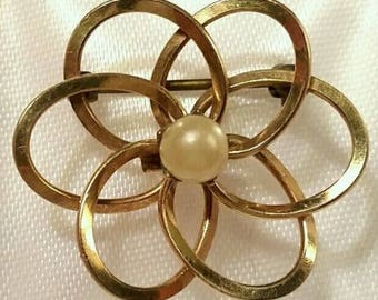 Alice Caviness Signed Vintage 12K GF Faux Pearl Flower Pin