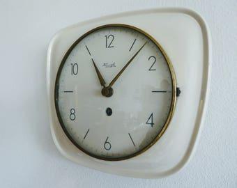 Kienzle mechanic wall clock ceramic old fashion pure vintage in white great clock mid century