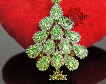 Christmas Tree Brooch, Sparkly Pin in Silver Tone, Green Crystal