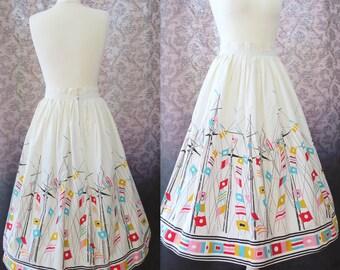RARE vintage 1950s nautical novelty print skirt - 50s border print novelty sail & mast flags skirt 25 in waist