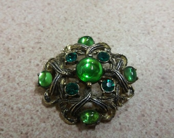 Vintage Green Stone Emerald Colour Brooch - Kitsch Chic Boho - 50s 60s - St Patricks Day