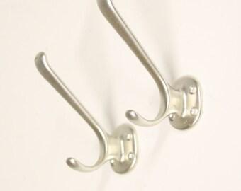 2 x coat rack hook. Hat-/Jashaak Height 9.5 cm x depth 8 cm