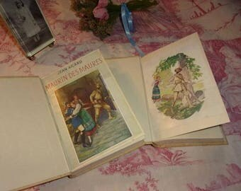 2 little books vintage Nelson collection