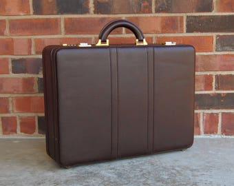 American Tourister Brown Briefcase - 1970s Vintage - Faux Leather Vinyl w/ Goldtone Combination Locks - Retro Business Travel - in VG cond